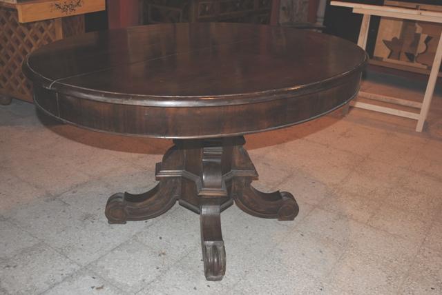 Tavoli antichi ovali top tavolino ovale da lavoro with for Tavolo ovale allungabile legno massello